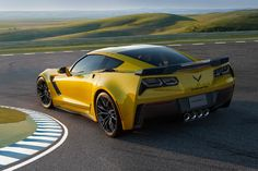 Jeremy Clarkson loves the Corvette Stingray. He's called it a masterpiece, he named it Top Gear's 2014 Car of the Year, and he even went so far as to say that, if it didn't have left-hand steering, he'd likely buy one. Chevrolet Corvette, 2015 Corvette Z06, Chevy, Carrera, 4x4, Jeremy Clarkson, Upcoming Cars, American Sports, Car Photos