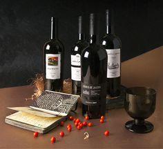 Los vinicultores de Bodegas del Señorío año tras año guardan escrupulosamente las tradiciones de la elaboración del vino. Han cambiado muchas cosas, han cambiado los dueños, pero la calidad del vino sigue siendo la misma, aun mas, se hace mas fino y exquisito. Se guardan todas las tradiciones secretas, lo que ayuda a crear un producto de expresivo sabor y de alta calidad.