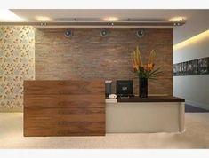 Resultado de imagen para creative reception desks for small office spaces Office Reception Area, Reception Desk Design, Reception Areas, Reception Table, Lobby Interior, Office Interior Design, Office Interiors, Office Designs, Design Desk