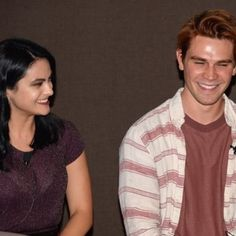 Riverdale Archie And Veronica, Cami Mendes, Archie Andrews, Rachel Berry, Riverdale Cast, The Cw, American Actress, Cute Couples, Men Casual