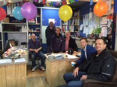 Verlate foto van 2 verjaardagen maar deze vrolijke foto van ons team willen we jullie niet onthouden :-) De Bedweters bestaat 18 jaar en onze Frans is onlangs 55 jaartjes jong geworden! HOERA!!
