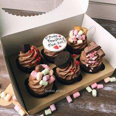 Fancy Cupcakes, Yummy Cupcakes, Yummy Treats, Delicious Desserts, Sweet Treats, Chocolate Diy, Chocolate Ganache Cupcakes, Sweet Cakes, Cute Cakes