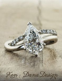 Diamond Wedding Rings : Unique engagement rings by Ken & Dana Design omg this looks exactly like my moms. - Buy Me Diamond Diamond Wedding Rings, Diamond Rings, Diamond Jewelry, Diamond Cuts, Wedding Bands, Bridal Rings, Solitaire Rings, Gold Jewelry, Wedding Album