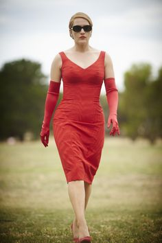 A gallery of The Dressmaker publicity stills and other photos. Featuring Kate Winslet, Liam Hemsworth, Sarah Snook, Judy Davis and others. Kate Winslet, The Dressmaker Movie, Movie Costumes, Historical Clothing, Costume Design, Dressmaking, Beautiful Outfits, Style Icons, Bodycon Dress