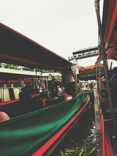 televisionofnomads:  Waiting in a Bangkok Boat    Vacation...