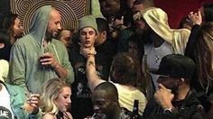 Picture of Justin Bieber getting choked looks like Renaissance...: Picture of Justin Bieber getting choked… #CindyKimberly #JustinBieber
