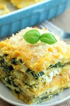 Butternut Squash and Spinach Lasagna Totally vegan, protein packed lasagna. So rich and creamy, you won't believe it's vegan! Vegan Keto, Vegan Foods, Vegan Dishes, Vegan Protein, Vegan Vegetarian, Vegetarian Recipes, Healthy Recipes, Vegan Ricotta, Paleo