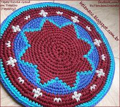 Tapete Estrela Grená em Trapilho (Tapestry)