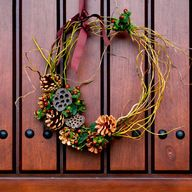 Make a Traditional Fresh Holiday Wreath the Easy Way