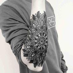 Afbeeldingsresultaat voor mandala tattoo sleeve