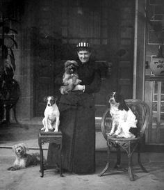 1889 Miss Hoyt and dogs