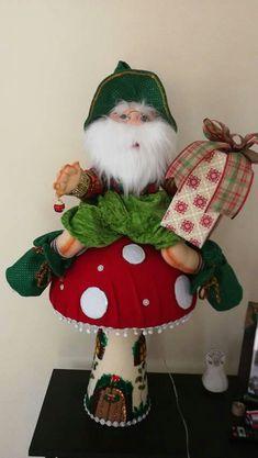 Carpeta de moldes Christmas Decorations, Christmas Ornaments, Holiday Decor, Missoni, Elf On The Shelf, Snowman, Fairy Tales, Santa, Felt