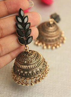 me Sharanya Mathur Indian Jewelry Earrings, Indian Jewelry Sets, Silver Jewellery Indian, Jewelry Design Earrings, Gold Earrings Designs, Ear Jewelry, Cute Jewelry, Silver Jewelry, Silver Ring