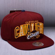 Mitchell   Ness NBA Cleveland Cavaliers Reflective Tri Pop Arch Snapback  Kepurė 74df16b2f