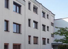 Fassadenreinigung von ALGENMAX   über 15 Standorte Multi Story Building, House Siding, Detached House