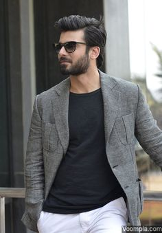 Fawad Khan pulls off yet another impeccably fashionable look. via Voompla.com