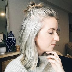Giving these locks a little extra love today bbc exlqvaw Grombre Grey Hair Styles For Women, Medium Hair Styles, Curly Hair Styles, Grey Hair Young, Straight Hairstyles, Cool Hairstyles, Silver Haired Beauties, Grey Hair Inspiration, Grey Hair Don't Care