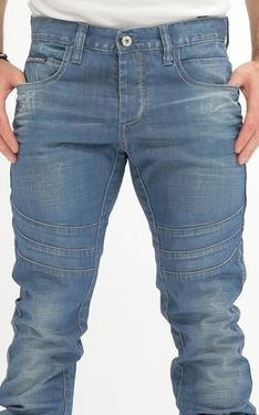 Looking for Men's Designer Jeans? Cipo & Baxx has the latest styles of Men's Ripped Jeans in Australia. Shop now on our online store! Edgy Look, Ripped Jeans, Shop Now, Pants, Shopping, Design, Fashion, Mature Men, Style