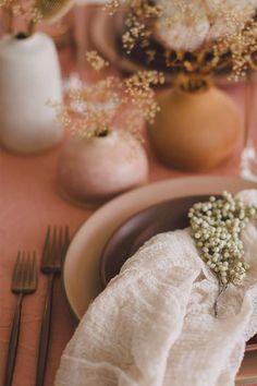 Simple Texture Napkin + Tablescape Little vases with sprigs (simple table decor) Table Centerpieces For Party, Wedding Decorations On A Budget, Table Decorations, Objet Deco Design, Deco Originale, Wedding Designs, Wedding Trends, Tablescapes, Wedding Colors