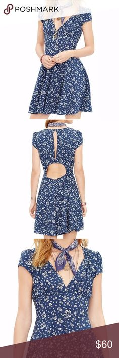 """Denim & Supply by Ralph Lauren Keyhole Dress 6 NWT Item Specifics Brand: Denim and Supply by Ralph Lauren Silouhette: A-Line Color: Navy with tan floral Size: US Womens 6 Orig Price: $98  Measurements in Inches (when laid flat) Empire Waist: 14""""  Armpit to armpit: 18.5"""" Sweep: 27"""" Length: 34.5""""  Garment Details Elastic Waist: No Hidden Zipper: Yes New With Tags: Yes Lined: No Materials: 100% Viscose Denim & Supply Ralph Lauren Dresses Midi"""