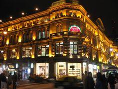 """""""""""Galeria Pacifico"""""""" en esquina Cordoba y Florida. Se inaguro en 1894, estaba inspirada en las grandes galerias del mundo, como la Vittorio Emanuele de Milan (Italia). Hoy esta declarada MONUMENTO HISTORICO NACIONAL.Buenos Aires, Argentina"""
