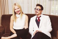 Gwyneth & Robert pose for a portrait at the Four Seasons Hotel in LA [22.04]