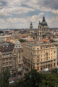 Budapest, Hungary. Check out the travel deals on Studentrate to visit Hungary yourself! http://studentrate.com/Travel-Discounts