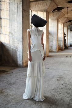 Vera Wang Spring 2018 Ready-to-Wear  Fashion Show Collection