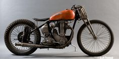 Bobber Inspiration - Bobbers and Custom Motorcycles British Motorcycles, Racing Motorcycles, Vintage Motorcycles, Custom Motorcycles, Custom Bikes, Bobber Motorcycle, Bobber Chopper, Moto Bike, Bobbers