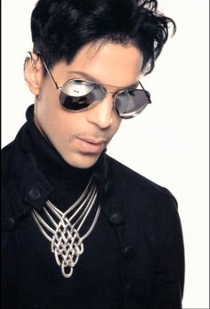Great musical artist! I love Prince, have since I was 10.