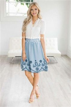 New Women's clothes Ideas 8927462093 #springwomanclothing Modest Skirts, Modest Outfits, Modest Fashion, Trendy Outfits, Fashion Outfits, Fashion 101, Dress Fashion, Womens Fashion, Chambray Skirt