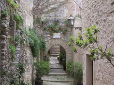 Erice alley.