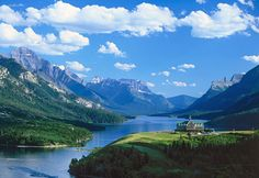 Prince of Wales Hotel, Waterton Lakes National Park, Alberta, Canada (© Stefan Damm/Huber/4Corners Images)