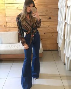 Flare Jeans Outfit, Jeans Outfit Winter, Cozy Winter Outfits, Cowgirl Outfits, Chic Outfits, Fashion Outfits, Southern Outfits, Look Boho, Cut Jeans