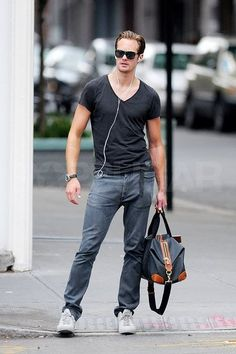 Alexander Skarsgard both so casual and sexy Alexander Skarsgård, Alexander The Great, Alexander Dreymon, Sharp Dressed Man, Well Dressed, Fashion Moda, Mens Fashion, Style Fashion, Skarsgard Family