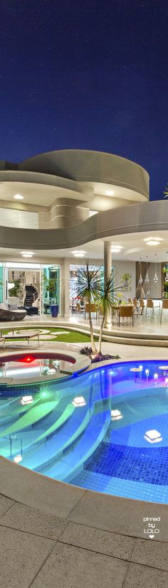 Everyone like amazing mansions. Everything here is gorgeous and certainly, you love this dream house as much as I do. Take a look at the board and let you inspiring! See more clicking on the image. Luxury Penthouse, Cool Pools, House Goals, Pool Designs, My Dream Home, Exterior Design, Future House, Modern Architecture, Luxury Homes