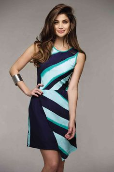 Anne Curtis in a Francis Libiran dress Filipina Actress, Filipina Beauty, Below The Knee Dresses, Dresses With Sleeves, Anne Curtis Outfit, Filipino Fashion, First Date Outfits, Blouse Dress, Dress Me Up