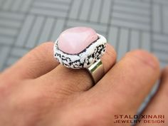 Rose Quartz amulet ring hand sculpted on silver by SXtheArtConcept