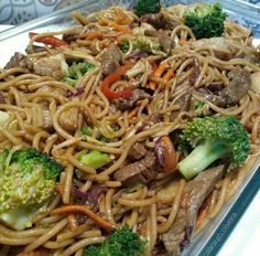 7 foods you cannot eat on a keto diet to stay in ketosis and keep producing ketones. Good Food, Yummy Food, Mets, Diet Pills, Keto Dinner, Nutrition, Japchae, Keto Recipes, Spaghetti