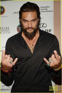 Jason Momoa Proves He Is the Master at Posing for Fan Photos!