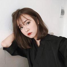 Haircut korean bangs medium lengths 26 ideas for 2019 - 9 hair Curly korean ideas Korean Short Hair Bangs, Korean Haircut Medium, Asian Short Hair, Short Thin Hair, Medium Short Hair, Medium Hair Cuts, Short Hair Cuts, Medium Hair Styles, Short Hair Styles