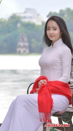 Vietnamese Traditional Dress, Vietnamese Dress, Traditional Dresses, Ao Dai, Hot Japanese Girls, Vietnam Girl, Beautiful Asian Women, Geisha, Asian Woman