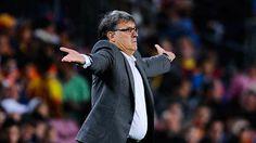 مارتينو يستقيل من تدريب برشلونة