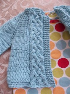 j'adore knitting: Pret a caliner | cabled baby sweater