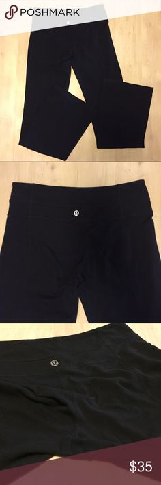 Lululemon yoga pant flare black Sz 6 Lulu yoga pant black flare Sz 6 pre owned condition some pilling  on the front leg none on crotch no holes no stains no tear tag yes Sz dot 6 lululemon athletica Pants Track Pants & Joggers