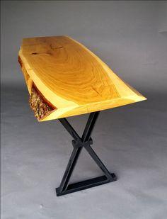 Inspirata de stilul industrial aceasta masa combina frumusetea fibrei naturale a lemnului de stejar cu eleganta profilului metalic. #table #mobilierindustrial #steelfurniture #industrialfurniture #amenajari #metalcreativ #diningtable #design #interiordesign
