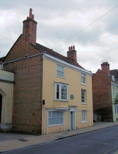 8 College street is the house, still standing and privately owned, where Jane Austen died.