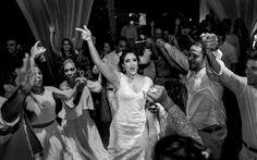 Casamento Ao Ar Livre-Esse é daqueles casamentos que a gente suspira só de olhar as fotos! Não só pela beleza do lugar, mas pelo sentimento que as imagen