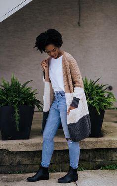 Crochet Patterns For Beginners, Easy Crochet Patterns, Beginner Crochet, Crochet Ideas, Knitting Patterns, Crochet Yarn, Crochet Hooks, Crochet Stitches, Crochet Cardigan Pattern