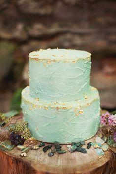 winter wedding - brides of adelaide magazine - wedding cake